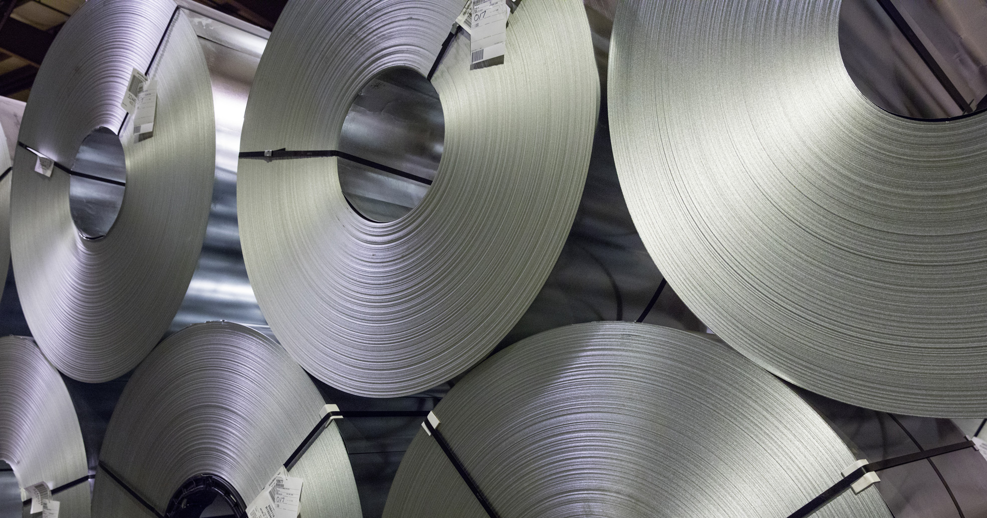 Flat rolled carbon steel products